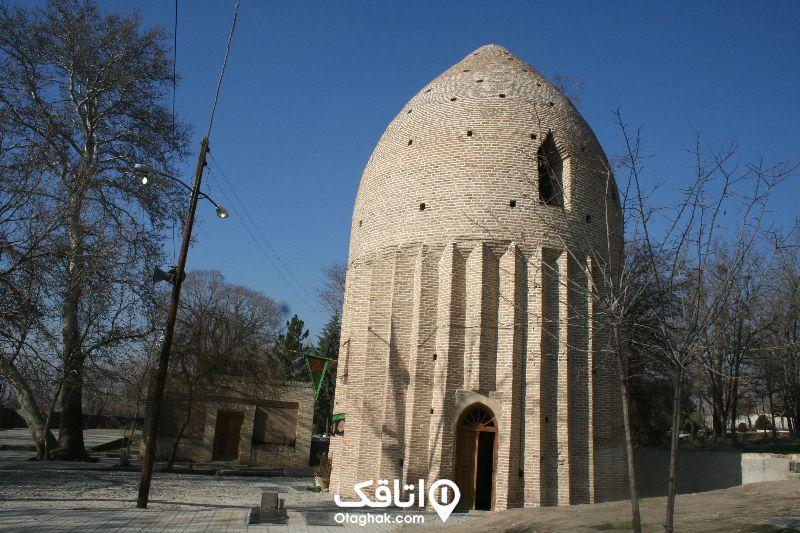 برج مقبره یکی از جاهای دیدنی کردان